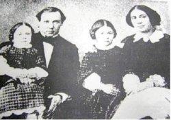 Помещики села Дубки Шлыковы Василий и Аделаида с дочерьми Раисой и Виргинией, 1858